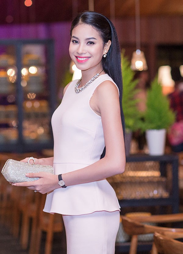 Từ mờ nhạt về nhan sắc lẫn phong cách thời trang, phải mất tận 7 năm Phạm Hương mới có chỗ đứng trong Vbiz - Ảnh 6.