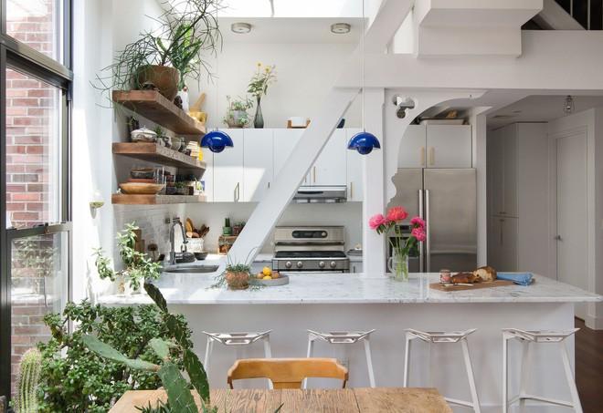 Chỉ khoảng 5m² nhưng căn bếp này chính là giấc mơ của các bà nội trợ - Ảnh 1.