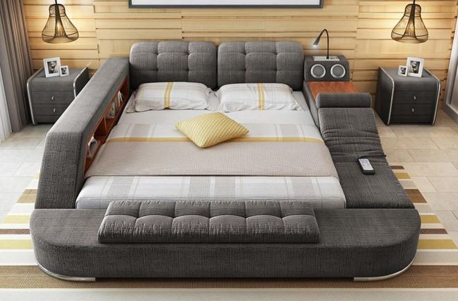 Có chiếc giường đa năng chất thế này thì chỉ muốn nằm lì cả ngày để tận hưởng - Ảnh 1.