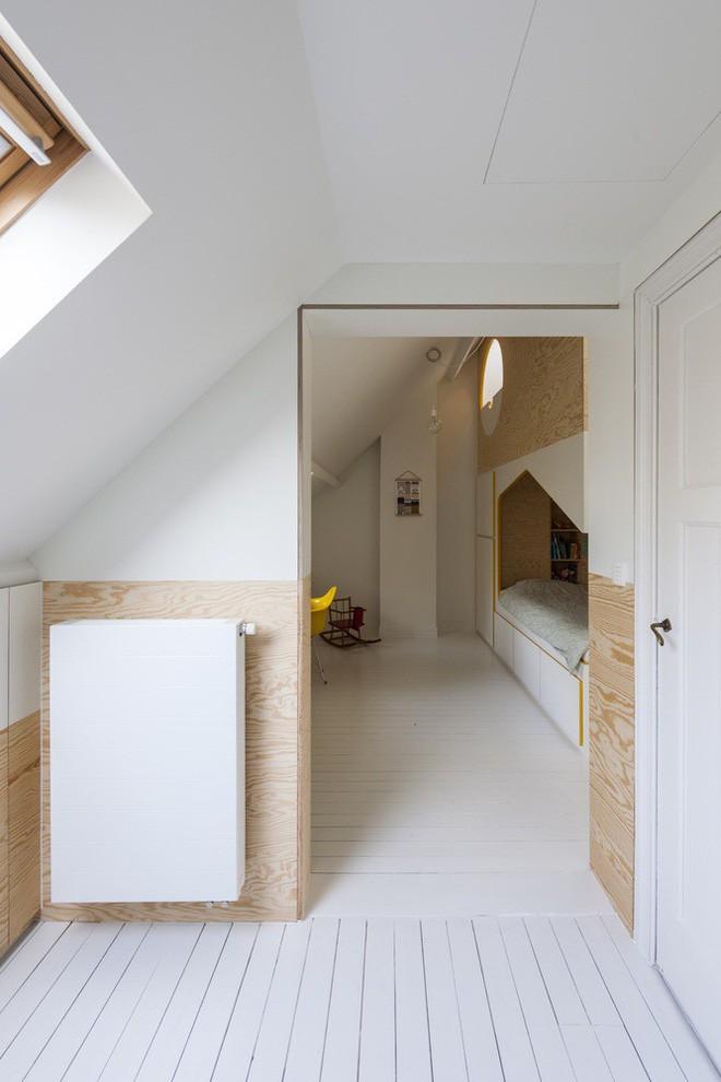 Với phòng ngủ nhỏ mà có võ thế này, bố mẹ hoàn toàn có thể yên tâm về nơi ngủ, chỗ chơi cho trẻ - Ảnh 1.