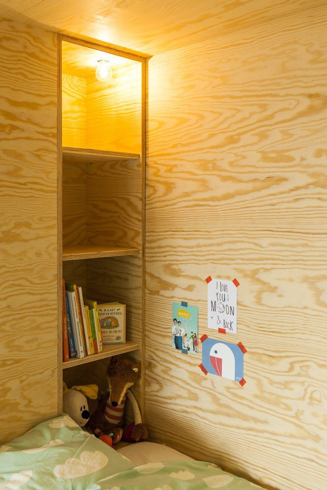 Với phòng ngủ nhỏ mà có võ thế này, bố mẹ hoàn toàn có thể yên tâm về nơi ngủ, chỗ chơi cho trẻ - Ảnh 5.