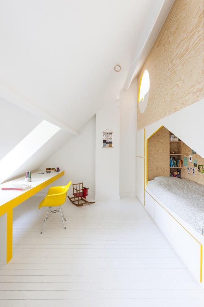 Với phòng ngủ nhỏ mà có võ thế này, bố mẹ hoàn toàn có thể yên tâm về nơi ngủ, chỗ chơi cho trẻ - Ảnh 4.