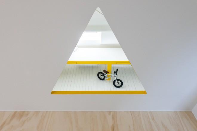 Với phòng ngủ nhỏ mà có võ thế này, bố mẹ hoàn toàn có thể yên tâm về nơi ngủ, chỗ chơi cho trẻ - Ảnh 7.