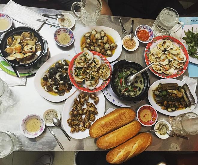 4 quán ăn bình dân vừa ngon, vừa dễ đụng người nổi tiếng ở Sài Gòn - Ảnh 24.