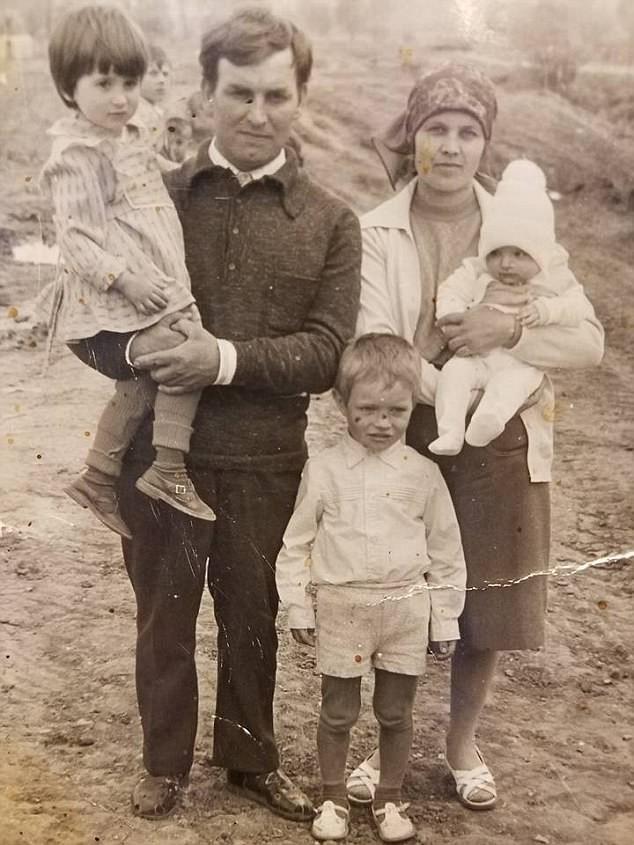 Bỏ qua lời dị nghị của hàng xóm, 39 năm sau cặp vợ chồng mới phát hiện sự thật đau lòng về cô con gái - ảnh 3