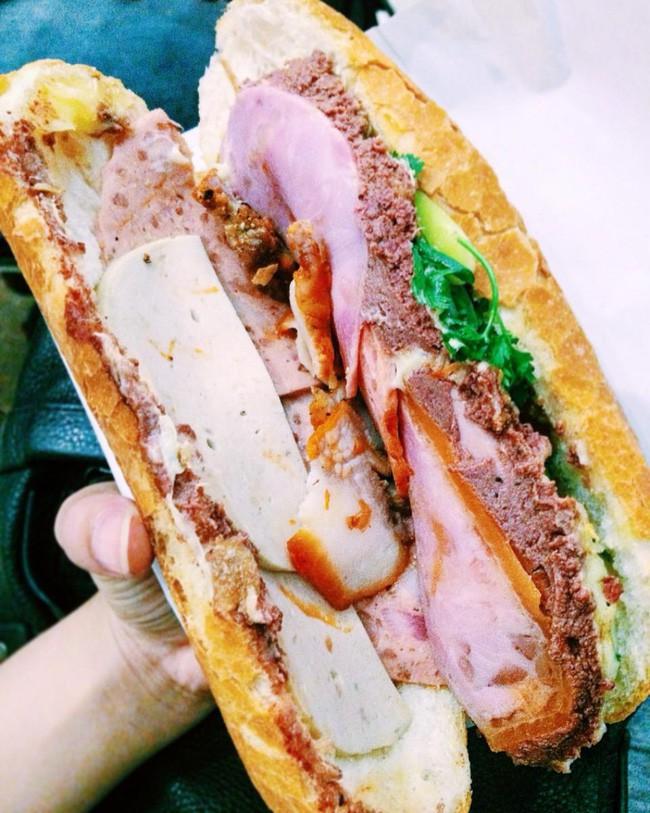Ổ bánh mì chất lượng của Huỳnh Hoa - @cao.nham.nho