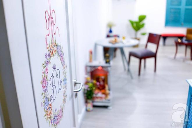 Căn hộ 59m² mang phong cách Địa Trung Hải đẹp đến từng chi tiết nhỏ ở Quận 4, Sài Gòn - Ảnh 2.