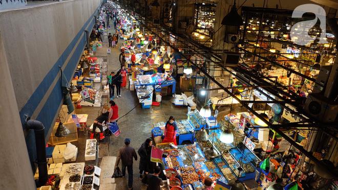 Đi Seoul mà mê hải sản, nhất định phải đến chợ Norangjin - Ảnh 1.