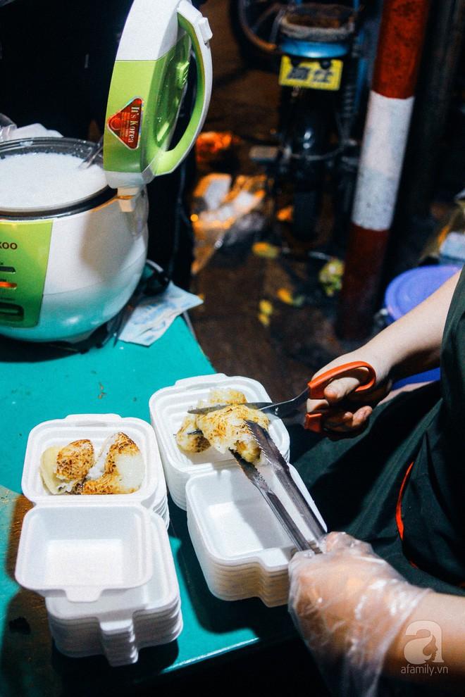 Chấm điểm chuối bọc nếp nướng - món ăn đường phố Sài Gòn ngon nhất thế giới vừa có mặt ở Hà Nội - Ảnh 7.