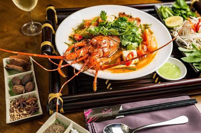 2 món phở đang khiến cộng đồng ẩm thực Sài Gòn sôi sục: Tô ngập thịt bò giá 2,3 triệu, tô sang chảnh với nguyên chú tôm hùm - Ảnh 13.