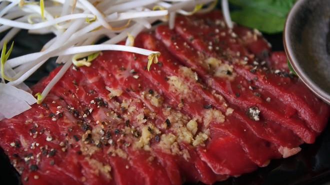 2 món phở đang khiến cộng đồng ẩm thực Sài Gòn sôi sục: Tô ngập thịt bò giá 2,3 triệu, tô sang chảnh với nguyên chú tôm hùm - Ảnh 10.