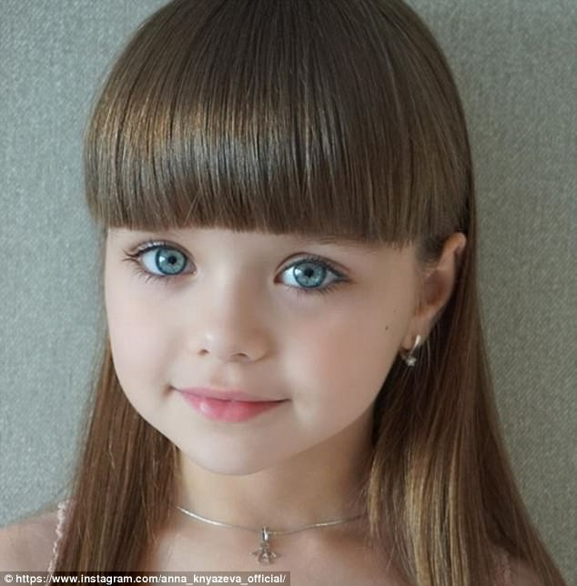 Sự thật đáng buồn phía sau danh xưng Cô bé xinh đẹp nhất thế giới của siêu mẫu nhí người Nga - Ảnh 1.
