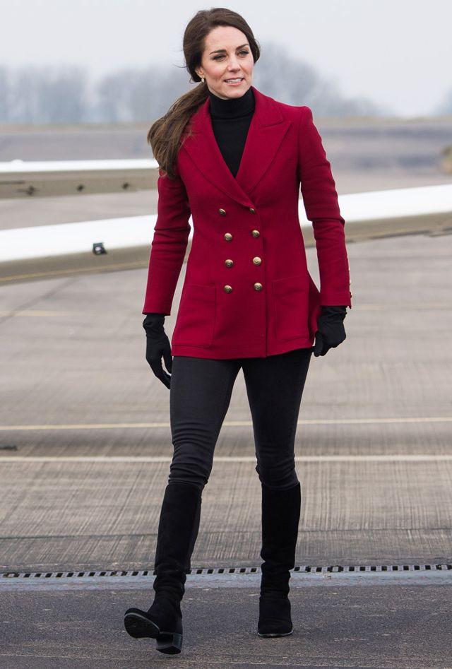 Bầu bí lần 3, Công nương Kate vẫn rất chăm diện lại đồ của vài năm trước - Ảnh 9.