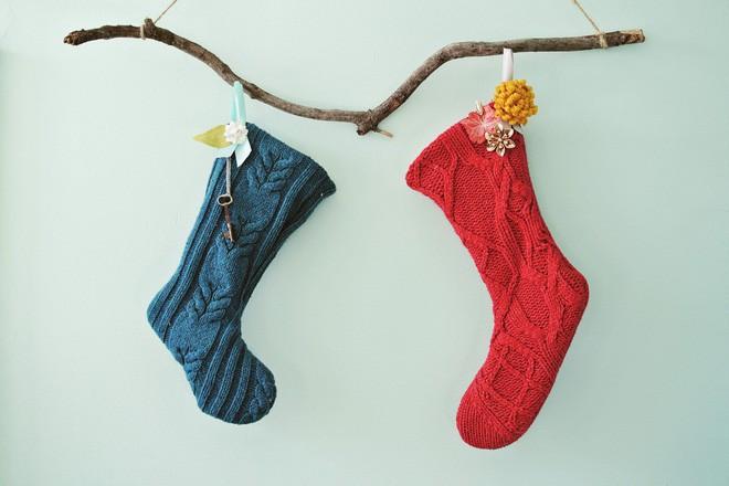Trang trí nhà đón Noel bằng những chiếc tất - vừa lạ, vừa dễ thương, vừa dễ làm - Ảnh 2.