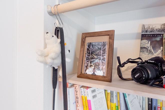 Căn hộ tí hon chưa đầy 20m² vừa đẹp, vừa gọn dù nhiều đồ nhờ sự bố trí nội thất rất thông minh của nữ nhiếp ảnh trẻ - Ảnh 8.