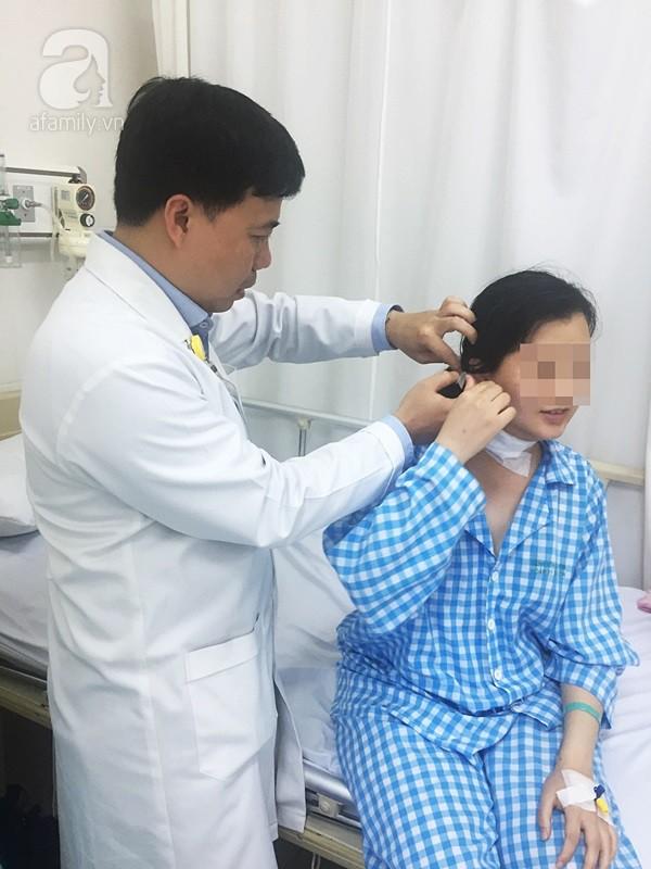 TP.HCM: Cô gái 26 tuổi suýt mất giọng nói vĩnh viễn vì mang khối u đặc biệt nhưng lầm là hạch ở cổ - Ảnh 3.