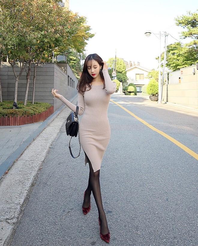 Tận dụng váy hè mà vẫn diện ấm áp trong mùa đông với những gợi ý sau - Ảnh 14.