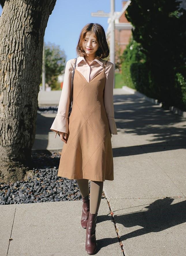 Tận dụng váy hè mà vẫn diện ấm áp trong mùa đông với những gợi ý sau - Ảnh 6.