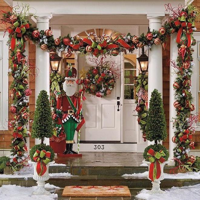 Những ý tưởng trang trí mặt tiền cho ngôi nhà đón Noel - Ảnh 11.