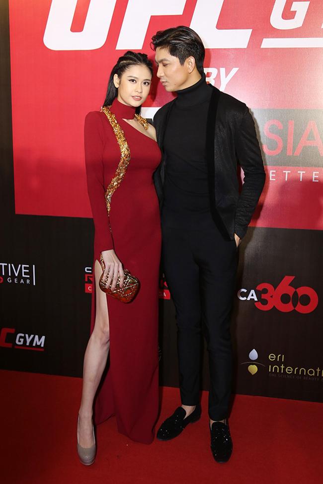 Không chỉ mặc ton-sur-ton, Tim và Trương Quỳnh Anh còn thích chăm chút quần áo trên thảm đỏ cho nhau - Ảnh 12.