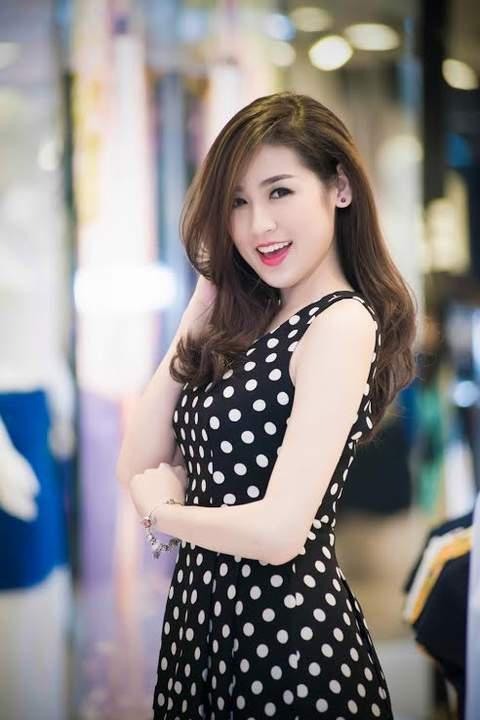 Chi Pu, Phạm Hương, HH Phương Nga cùng 15 nhan sắc Vbiz được báo Trung bầu chọn sở hữu vẻ đẹp điển hình - Ảnh 12.