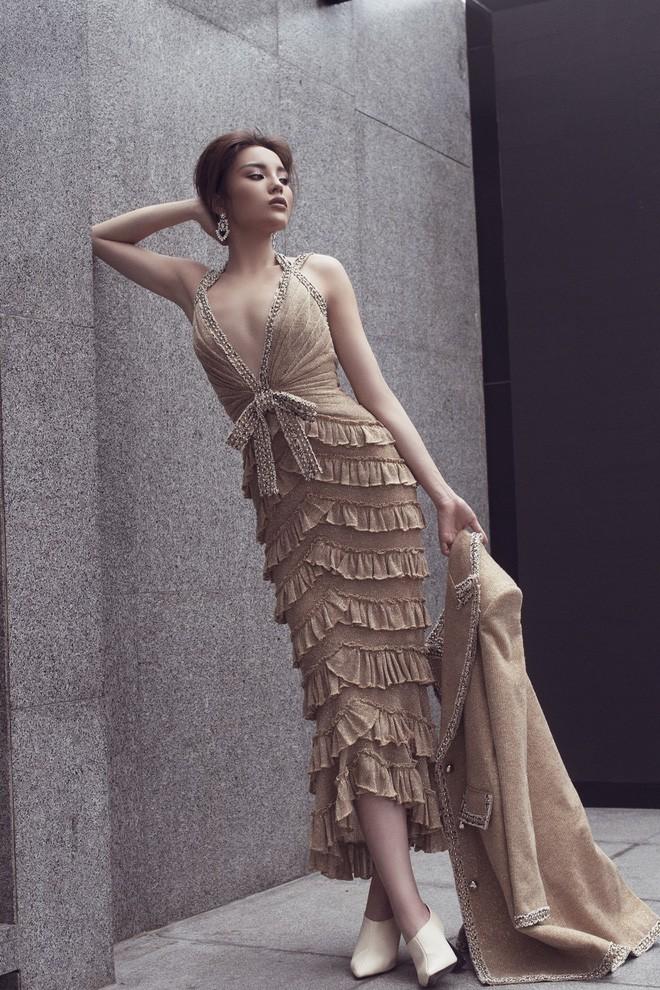 Tung bộ ảnh mới, Kỳ Duyên vô tình tạo nên màn tranh đấu váy áo với cả Tóc Tiên và Hari Won - Ảnh 10.