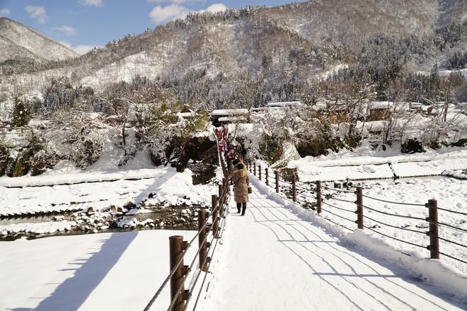 Ngất ngây với những hình ảnh tuyết rơi đẹp lung linh trên khắp thế giới - Ảnh 12.