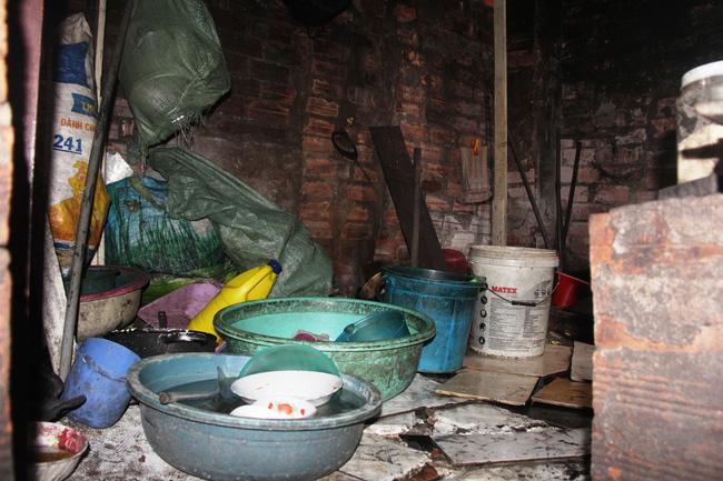 Cảnh đời nghèo mà vui của gia đình chồng vẽ tranh, vợ bán ve chai: Cứ vô tư mà sống, khổ cũng không buồn! - Ảnh 14.