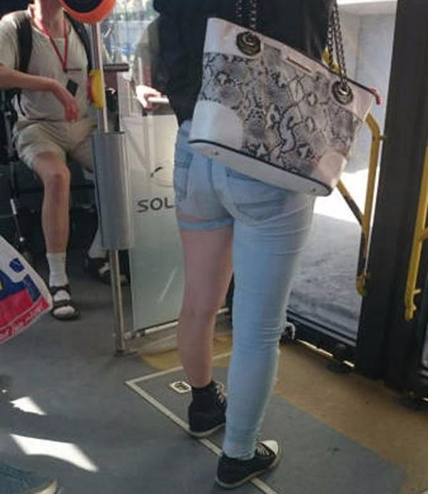 Quần jeans mà thế này thì đúng là thách thức nhau quá nhỉ! - Ảnh 12.