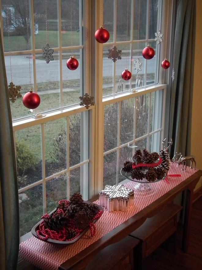 Mang không khí Giáng sinh đến từng khung cửa sổ nhà bạn với hàng loạt ý tưởng trang trí sáng tạo - Ảnh 13.