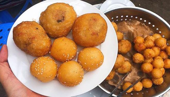 Mách bạn 4 hàng bánh rán chỉ từ 1k mà chủ hàng lúc nào cũng niềm nở, thân thiện ở Hà Nội - Ảnh 13.