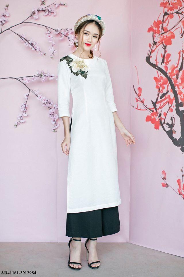 Những thiết kế áo dài cách tân thuần Việt giá dưới 1.5 triệu đẹp lung linh cho nàng diện Tết - Ảnh 4.
