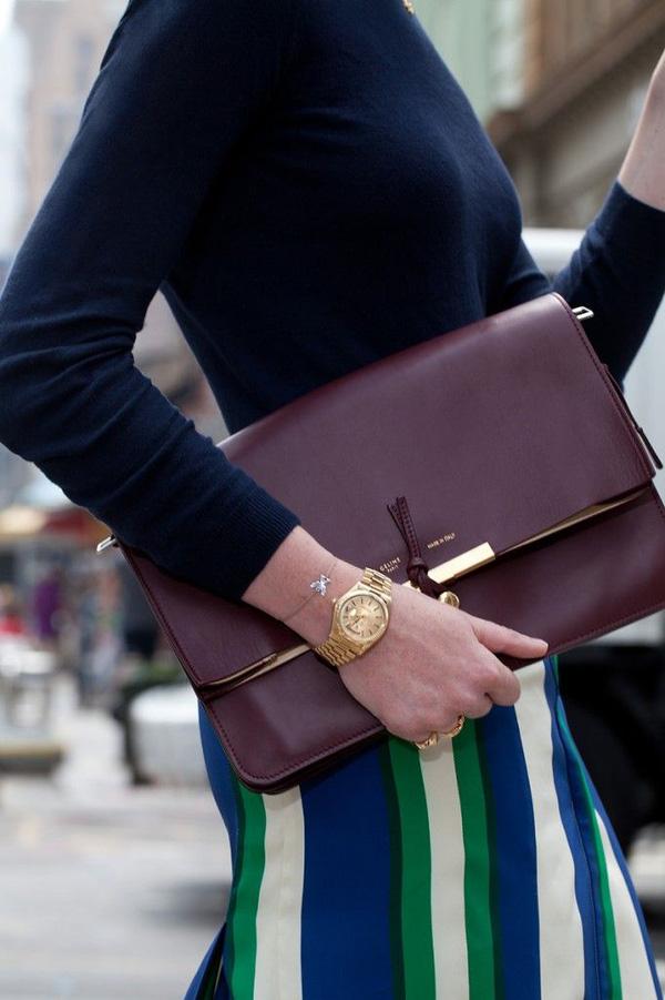 Đeo túi xách to nặng nhàm quá rồi, giờ muốn làm quý cô thời thượng thì phải cầm clutch đi làm mới chuẩn - Ảnh 7.