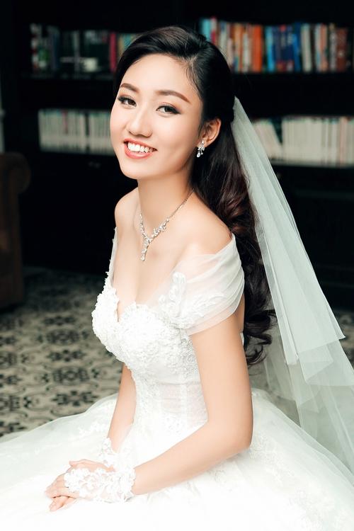 Chi Pu, Phạm Hương, HH Phương Nga cùng 15 nhan sắc Vbiz được báo Trung bầu chọn sở hữu vẻ đẹp điển hình - Ảnh 14.