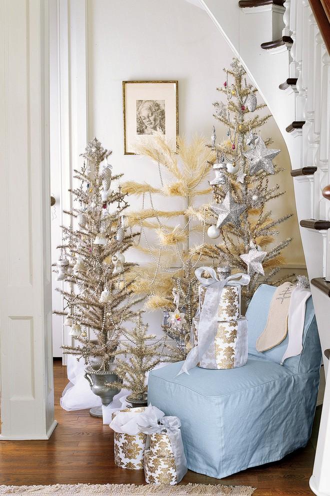 17 ý tưởng trang trí cây thông Noel mini đẹp, độc, lạ dành riêng cho nhà nhỏ  - Ảnh 13.