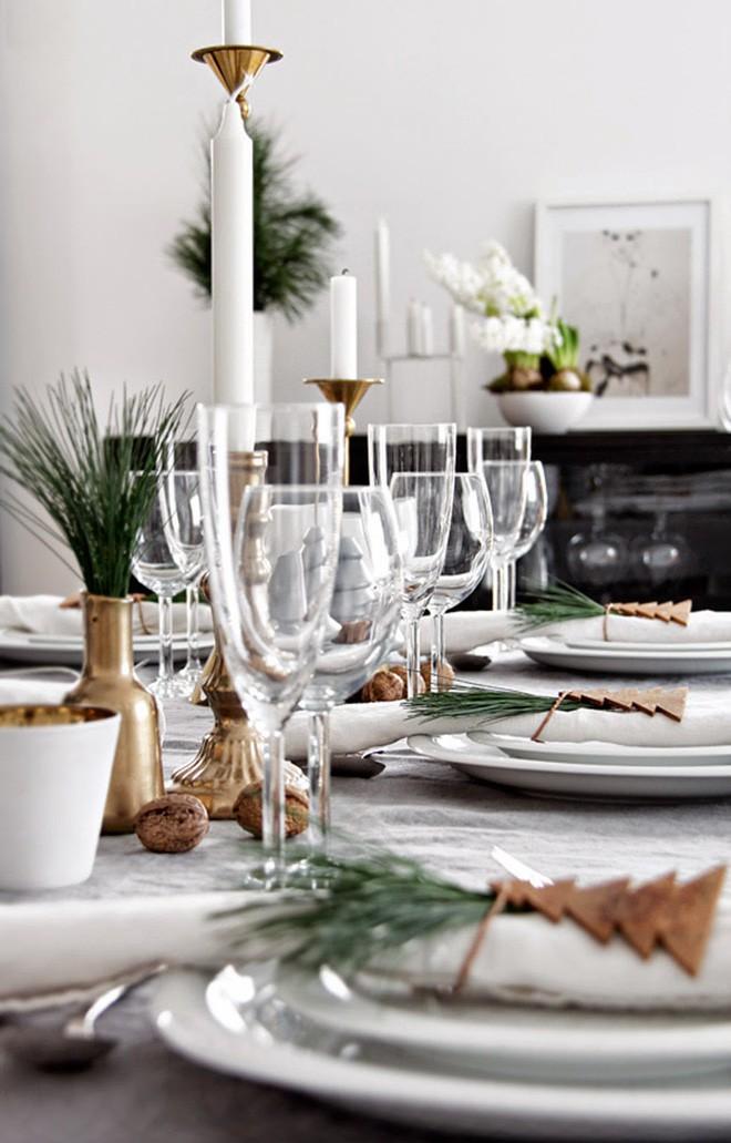 Trang trí bàn ăn thật lung linh và ấm cúng cho đêm Giáng sinh an lành - Ảnh 15.