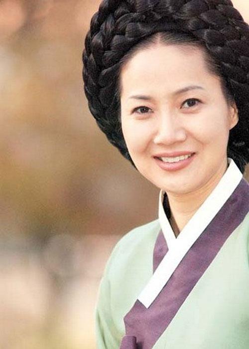 Dàn sao Nàng Dae Jang Geum sau 14 năm: Người vai chính viên mãn, kẻ vai phụ lận đận chưa thể tỏa sáng - Ảnh 16.