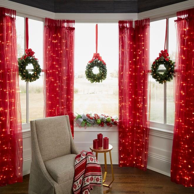 Mang không khí Giáng sinh đến từng khung cửa sổ nhà bạn với hàng loạt ý tưởng trang trí sáng tạo - Ảnh 16.