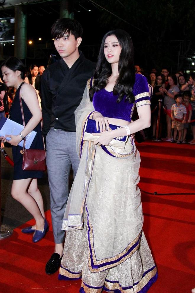 Không chỉ mặc ton-sur-ton, Tim và Trương Quỳnh Anh còn thích chăm chút quần áo trên thảm đỏ cho nhau - Ảnh 17.