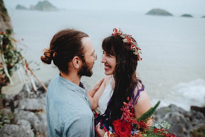 Đám cưới bí mật đẹp như mơ có 1-0-2 của cặp đôi Tây bỏ trốn trên đảo Cát Bà - Ảnh 13.