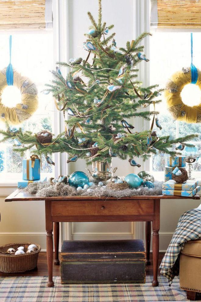 17 ý tưởng trang trí cây thông Noel mini đẹp, độc, lạ dành riêng cho nhà nhỏ  - Ảnh 16.