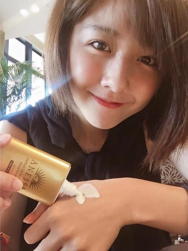 Nhờ Phạm Băng Băng, Dương Mịch và Angela Baby lăng xê mà 6 món mỹ phẩm này được thi nhau tìm mua trong năm 2017 - Ảnh 17.