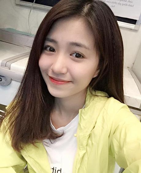 Chi Pu, Phạm Hương, HH Phương Nga cùng 15 nhan sắc Vbiz được báo Trung bầu chọn sở hữu vẻ đẹp điển hình - Ảnh 17.