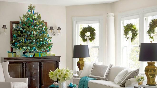 17 ý tưởng trang trí cây thông Noel mini đẹp, độc, lạ dành riêng cho nhà nhỏ  - Ảnh 17.