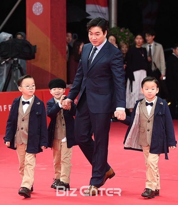 """Đâu kém cạnh bố mẹ là sao lớn xứ Hàn, các thiên thần nhí này cũng """"nổi như cồn"""", vang danh khắp mọi nơi - Ảnh 19."""