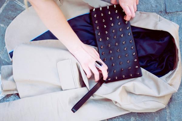 Đeo túi xách to nặng nhàm quá rồi, giờ muốn làm quý cô thời thượng thì phải cầm clutch đi làm mới chuẩn - Ảnh 15.