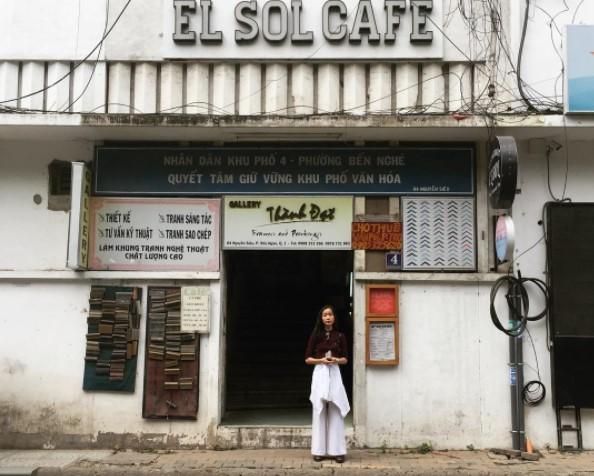 'Nữ thần sắc đẹp' Thái Lan khoe ảnh chụp ở Sài Gòn - Ảnh 3.