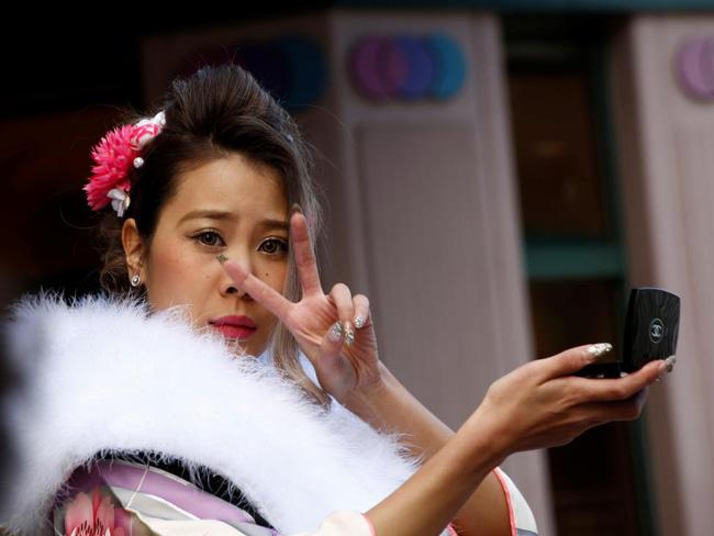 Các cô gái Nhật Bản xinh đẹp trong lễ trưởng thành - Ảnh 3.