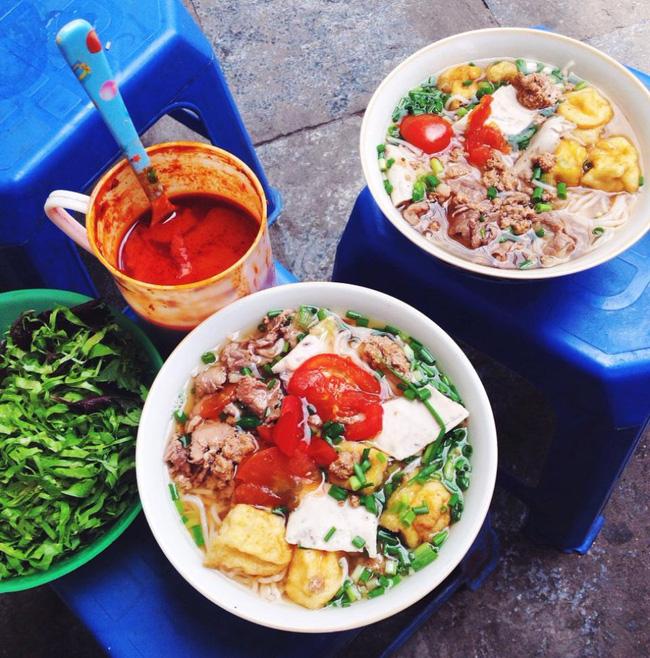 9 quán bún giá mềm cho bữa sáng ngon tuyệt ở Hà Nội - Ảnh 16.