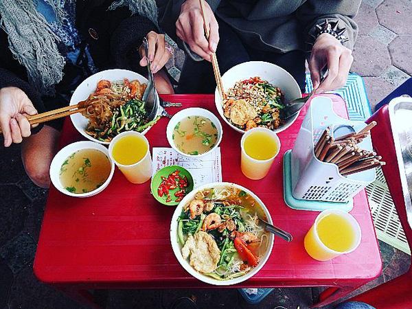 9 quán bún giá mềm cho bữa sáng ngon tuyệt ở Hà Nội - Ảnh 31.